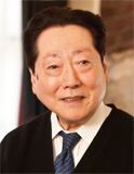 三代目オーナーの木田明利氏。50年以上店に立ち続けている。