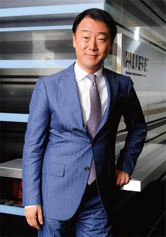 株式会社 huge 代表取締役社長 ceo 新川義弘氏 top interview 1