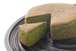 (写真3)抹茶のバターケーキ「贅沢抹茶満月」