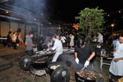 第2部の「熱海カクテルパーティ」は野外で開催。バーベキューでは熱海特産のキンメダイなども振る舞われた