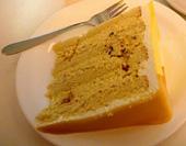 スイーツの充実もシークレット・レシピ成功の大きな要因のひとつ。写真はバタースコッチケーキ(6.3リンギット=約190円)