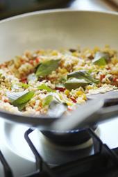 「ティビッツ」のビュッフェで人気のメニュー、米と野菜だけで作った「ベジタブル・ジャンバラヤ」