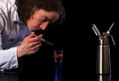 分子料理の技術を使いベジタリアン料理のイメージを革新するエディ・シェパード氏