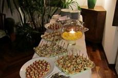「クオキヴォランティ」を利用すると、自宅に居ながら、フルコースの食事が楽しめる。家に人を招くのが好きなイタリア人にとっては魅力的 photo by CUOCHIVOLANTI