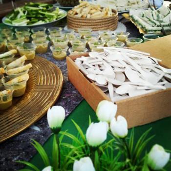 高価な材料や高度な調理技術よりも、珍しいスパイスを使った料理やセンスのいい盛り付けを見るのも客にとっての楽しみの一つ photo by CUOCHIVOLANTI
