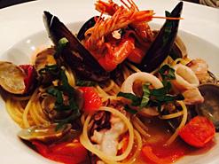 (写真3)ランチでもよく注文する「海の幸の漁師風スパゲティ」