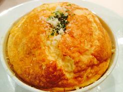 (写真2)ふわふわな食感がたまらない「ズワイ蟹のスフレ」