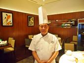 料理長の連武徳氏。研究を重ね、今のメニューが完成するまでには半年ほどの時間を費やした。「台湾が誇るおいしいフルーツを取り入れて新しい料理を作っていきたい」と語る