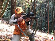 季節によって銃や罠を使い分け、現在も自ら狩猟を行う中島氏