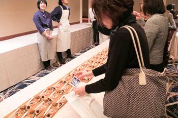 講演会の後には、グルテンフリーなどに対応した料理の試食会も実施された