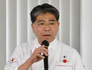 人材採用について講演したのは、堀井氏(写真)。2012年から自店で始めた新卒採用について解説し、若手社員のキャリアアップの例を紹介。「人生100年時代」の料理人のキャリアのあり方についても問題提起した。