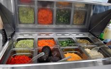 「グレインボウル」に入れる具材を選べる店も少なくない。食習慣や宗教、アレルギーなど様々なバックグラウンドを持つ人にとっても、個別に食材を選べることは魅力的だ