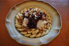 グラノーラやバナナ、自家製ココナッツヨーグルトなどを使った朝食スタイルのグレインボウルも人気。きれいな盛り付けも売りの一つ