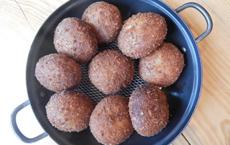 人気の調理パンの一つ「カレーパン」。イースト入りの生地を油で揚げていることから、ドーナツのようなパンとしてアメリカ人でも手が出しやすいようだ