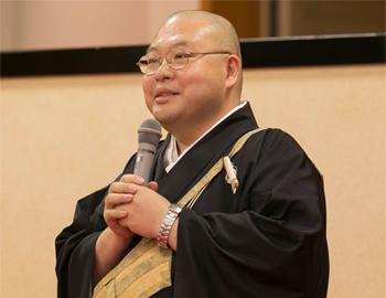 清水寺執事補の森清顕氏は、僧侶の視点で秘書の業務に役立つポイントを伝授。直観力の重要性、自分自身の心をケアする必要性などを語った