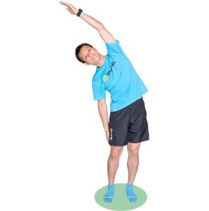 背筋を伸ばして、お腹の横の筋肉が伸びているのを感じながら行いましょう。