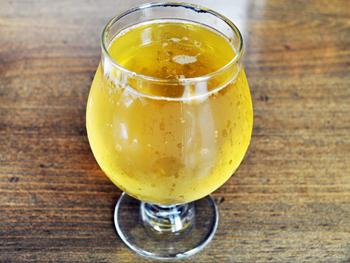 リンゴではなく梨から造られた、スノードリフト・サイダー・カンパニー社の「セッケル・ペリー」。梨に含まれるタンニンの渋みを感じさせず、アルコールが苦手な人でも飲みやすい