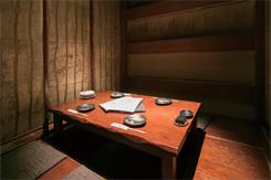 落ち着いた雰囲気の掘りごたつの完全個室は、接待での利用が多い