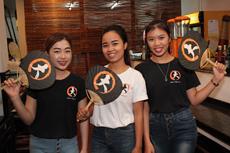 若者に人気の和風居酒屋で働くスタッフたち。全員で元気な声を出して客を迎えるなど、賑やかな雰囲気づくりに努めている