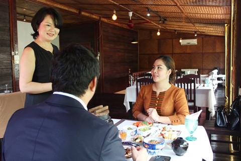 ラオスの富裕層を狙った高級店。日本の料亭をイメージさせるコース料理が供される