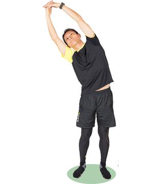 しっかり呼吸をしながら体を左右に倒し、それぞれ、20~30秒キープしましょう。