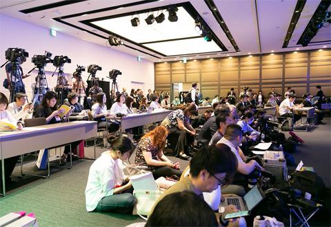 会場には、テレビや雑誌、Webメディアなど、約70名の報道関係者が詰めかけた
