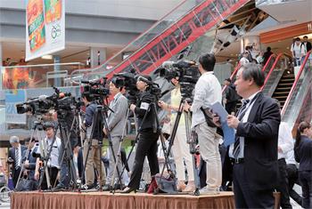 地元テレビ局や新聞をはじめ、多くのメディアが参集。「LIVE JAPAN PERFECT GUIDE HOKKAIDO」の注目度の高さが伺えた