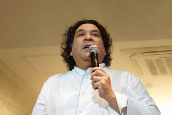 小西氏の親友でもあったアクリオ氏は、イベントを成功に導いた中心人物。イベントの収益金は未来を担う若手シェフを育てるため、ペルーにあるパチャクテク料理学校に寄付された