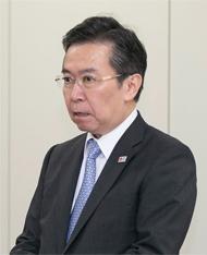 表彰式で式辞を述べる田端浩・観光庁長官。10回目となった今年の表彰の経過に触れ、受賞5団体を紹介