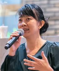タイ国政府観光庁・東京事務所所長のパッタラアノン・ナチェンマイ氏は、来場者にタイの魅力をアピールした
