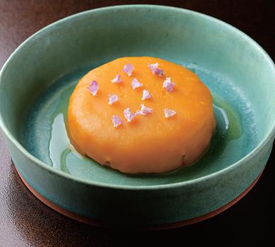 甘く炊いた大根 かぼちゃのソース