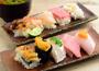 """心を""""つかんで""""一世紀。市場の活気が生んだ寿司"""