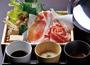 黒豚しゃぶしゃぶを看板に、九州の料理と酒が好評