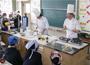 福岡市とぐるなびによる包括連携協定の一環として有名シェフを迎え、初めて小学校で食育教室を開催