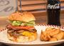 牛肉100%のパティの旨みが際立つグルメバーガー店とは
