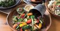 女性をつかむランチと野菜料理で立地を克服。行列もできる繁盛店に!