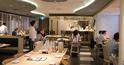 サーモンが人気のシンガポールでマグロ卸店直営の寿司店が躍進!