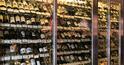 2900円均一のワインや6種のユッケが集客を牽引